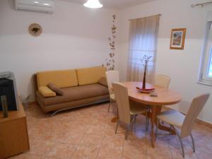 Apartment Mavarstica 11208b