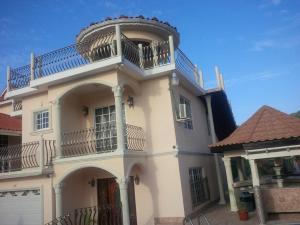 Pinnacle View Estate Micaila Villa