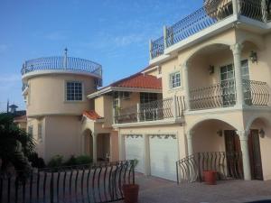 Pinnacle View Estate Colors Hideaway #1 & 2