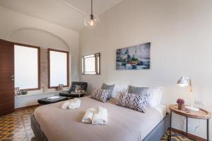 A room at Sweet Inn Apartment - King David 10
