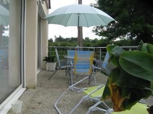 Un patio o zona al aire libre en gite plages du débarquement