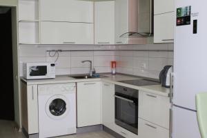 Apartments on Bakunina 139