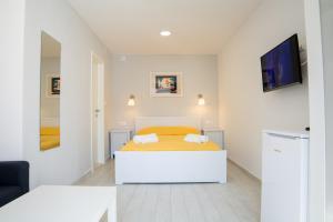 Zara Apartments