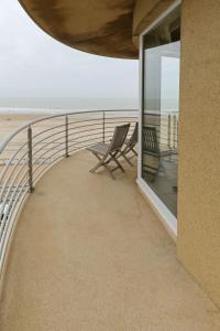 A balcony or terrace at Vayamundo Oostende - Apartments