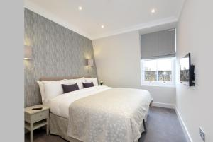A bed or beds in a room at 20 Hertford Street