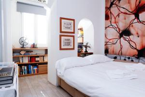 Fienaroli Apartment
