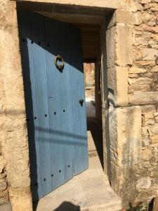 The facade or entrance of Un Petit Coin de Paradis