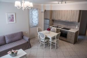 Η κουζίνα ή μικρή κουζίνα στο Lefkadio Suites