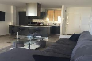 A kitchen or kitchenette at Panoramic Sea View Apartment