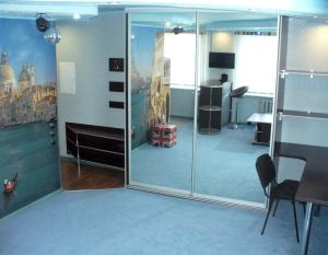 The business area and/or conference room at Apartments on Gorkogo 10