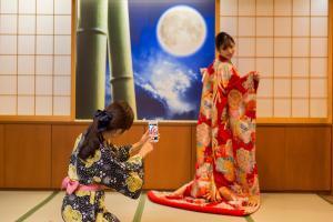 Himeyado Hanakazashi (Women Only)