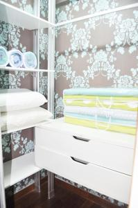 A bunk bed or bunk beds in a room at Putra Villa Short Stay Apartment KL
