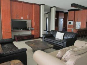 Point Village Accommodation - Trio Towers 35