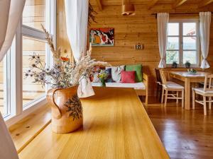 The lounge or bar area at Holiday Homes Vita Natura