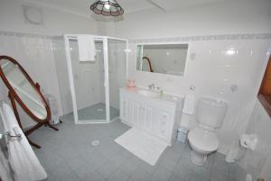 A bathroom at Jervis Bay Blue - Vincentia