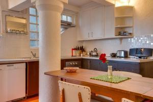 Kjøkken eller kjøkkenkrok på The Last Villa