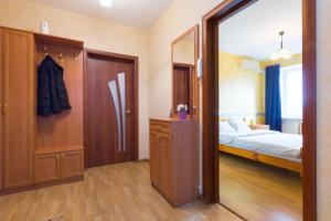 A bed or beds in a room at Star 2 apartment on Kievskaya