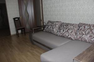 A seating area at Apartment on Gorkogo 9