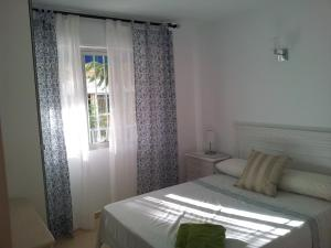 A room at Frontbeach apartment in los Boliches