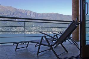 A balcony or terrace at Va Pensiero sul lago