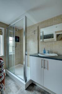 A kitchen or kitchenette at 4 Bridewell Lane
