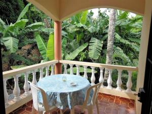 A balcony or terrace at Casa Lily & Coco