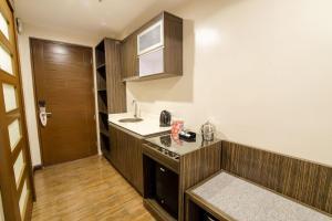 ZEN Rooms West Avenue