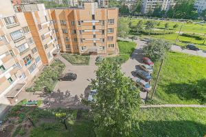 Apartment on Bulvar Novatorov 69