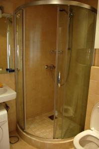 A bathroom at Apartments at Dashkevicha 7