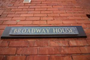 Diamond - Broadway House Apartment 2