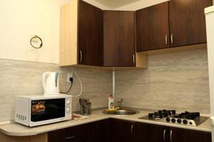 Кухня или мини-кухня в На-Сутки на Урицкого 5