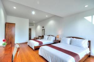 (Baan Suan Khun Ta and Golf Resort)