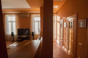 Apartment on Mykhailivs'ka Street