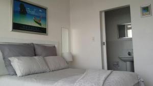 Leisure Bay Beachfront 205