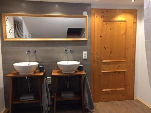 Ein Badezimmer in der Unterkunft Försterhaus Grossarl