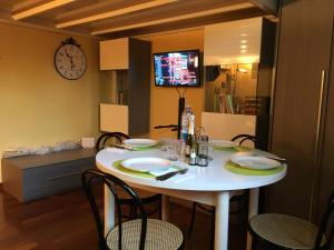 (Corner Apartment Fiera)