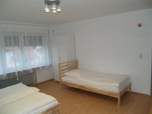 Berg Room and Apartment