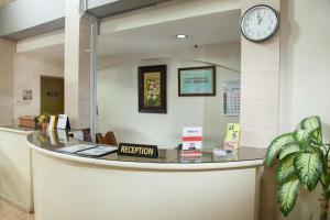 RedDoorz near Gubeng Station 2 (RedDoorz @ Kayoon)
