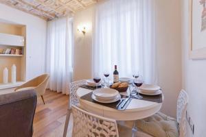 Don Giovanni Halldis Apartment