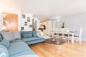 Et sittehjørne på Creed 3 Bed London Bridge House