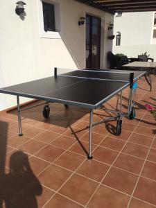 Tischtennis in der Unterkunft Villa Alba de Luxe oder in der Nähe