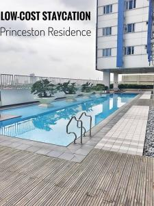 Low Cost Staycation Princeston Residence