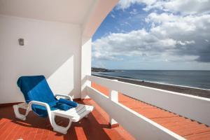 Расположение отличное - балкон прямо над океаном, чудесный...