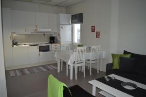 A kitchen or kitchenette at Vreta Kloster Golfklubb