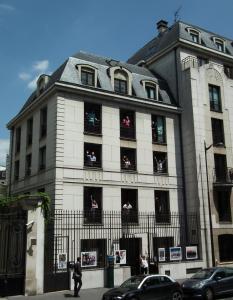 Adveniat Paris