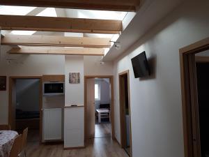 TV a/nebo společenská místnost v ubytování Apartments Anna and Ondra