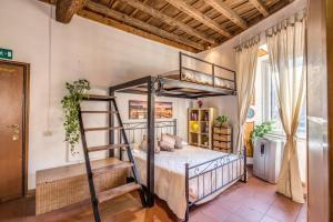 Costaguti Apartment