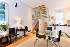 Een zitgedeelte bij Moreton Street Penthouse