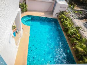 A view of the pool at Naklua Pool Villa by Pattaya Sunny Rentals or nearby
