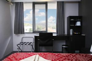 White Manor Motel
